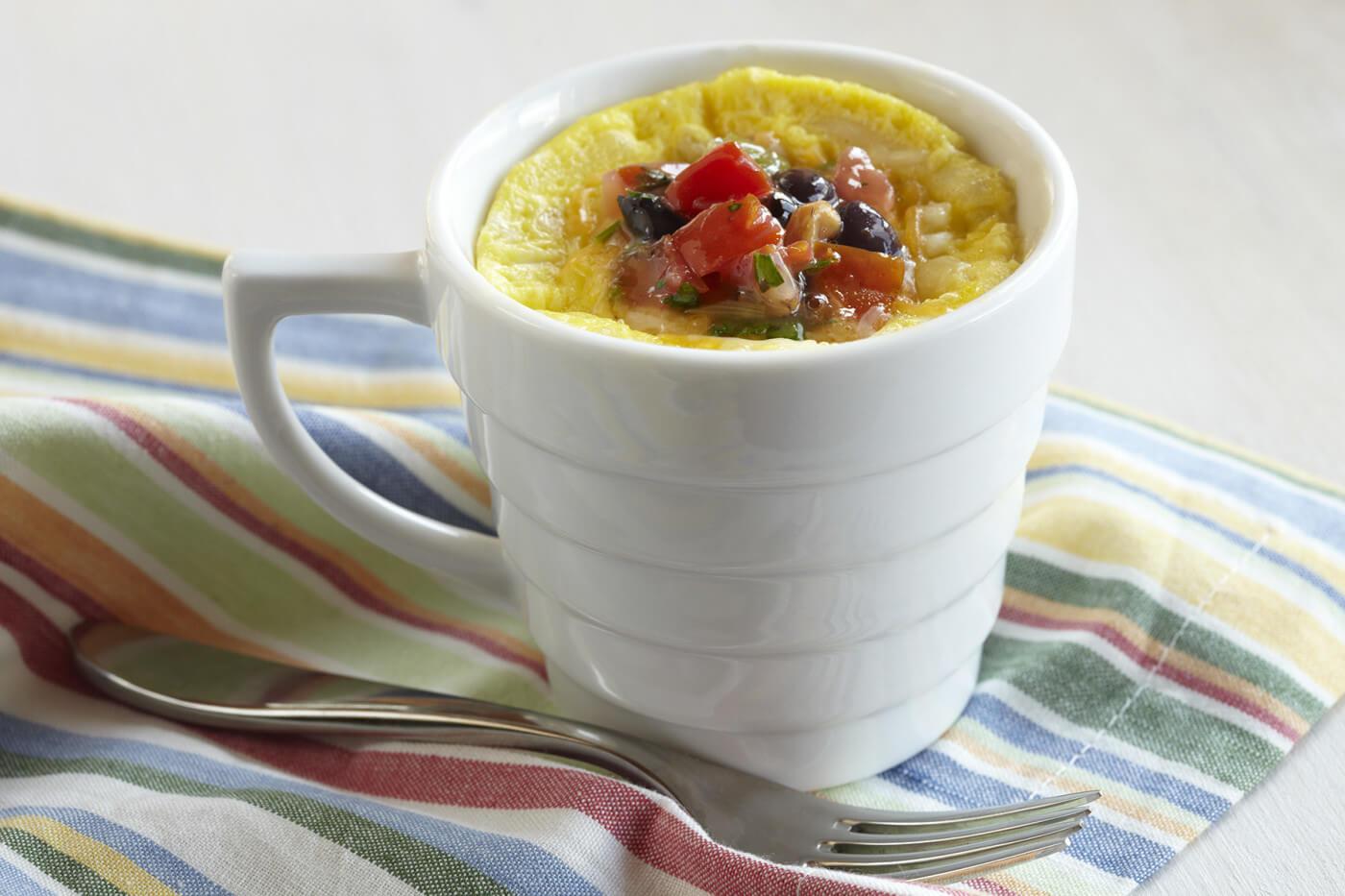 Яйца. Рецепты блюд из яиц на завтрак. омлет в кружке
