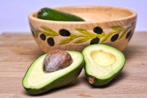 жиры во время похудения-авокадо