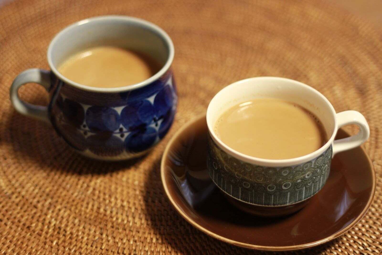 роль питьевого режима: черный чай с молоком