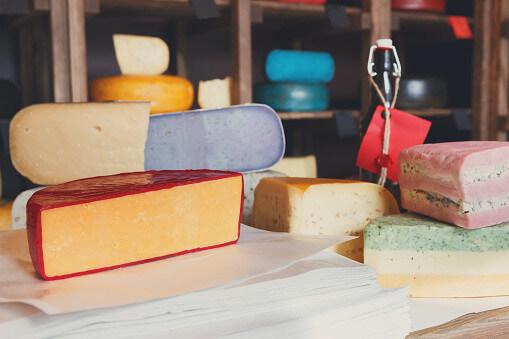 Забарвлення сиру
